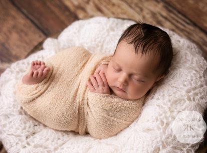 Neugeborenen-Fotoshooting – Sophie – 7 Tage jung