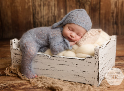 Fotoshooting mit Neugeborenem Alexander – 10 Tage jung
