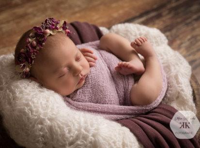 Zauberhaftes Neugeborenenfotoshooting – Hermine – 6 Tage jung