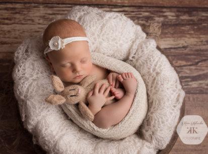 Liebevolle Neugeborenenfotografie – Nena – 24 Tage jung