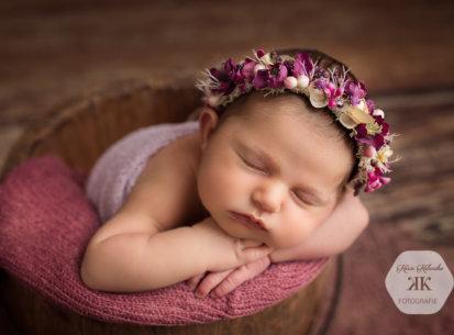 Zauberhafte Neugeborenenbilder mit Emilia – 14 Tage jung