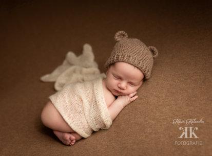Neugeborenenfotoshooting mit dem süßen Fabian – 12 Tage jung